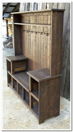 This rustic U bench hall tree offers ample storage for any entryway. This rustic U bench hall tree offers ample storage for any entryway. It's rustic farmhouse style Wooden Pallet Projects, Diy Pallet Furniture, Wooden Pallets, Furniture Projects, Rustic Furniture, Home Furniture, Antique Furniture, Furniture Buyers, Furniture Stores