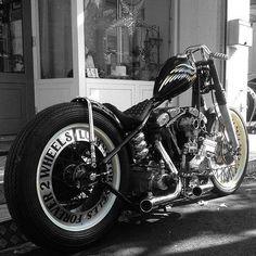 pugbobber: Old school #motorcycle #bobber#custom#cafe#chopper#ride#bike#harleydavidson#caferacer#sportster#caferacer #harley #choppershit