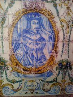 . D. MANUEL I – Painel de azulejos no Jardim do Palácio Galveias, Lisboa.