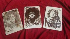Rock Icons Set de tres tablillas pirograbadas en tributo a tres grandes del rock. Tamaño 20x30 x0,3 cm.