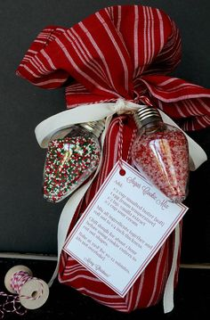 A fabulous simple mason jar neighbor gift idea for Christmas. Sugar cookie mix with free printable.Holiday Dish Towel keeps on giving ... love the plastic bulb ornaments for the sprinkles!