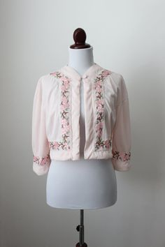 Vintage Pale Pink Bed Jacket / Touch of Pink by cocoandorange