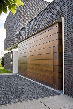 Nieuwbouw villa van Empel te Tilburg Charcoal | Projecten Brick Facade, Charcoal, Garage Doors, Villa, Facades, Architecture, Outdoor Decor, Modern, Van