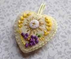 Hand Embroidered Medal / Badge: Monstrance by StellaMarigoldArt