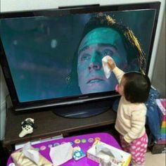 Read 109 from the story Imágenes y Memes THORKI by (Midnight) with reads. Loki Thor, Loki Laufeyson, Tom Hiddleston Loki, Marvel Avengers, Marvel Comics, Memes Marvel, Dc Memes, Marvel Funny, Funny Memes