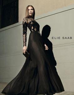 What a dress ! As always, Elie Saab blow me away !