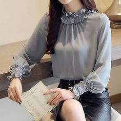 I like this grey blouse for office Kurti Sleeves Design, Sleeves Designs For Dresses, Hijab Fashion, Korean Fashion, Fashion Dresses, Emo Fashion, Fall Fashion, Latest Fashion, Womens Fashion