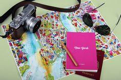City Guides Books Illustration's Covers  La maison d'édition Viction:ary, basée à Hong Kong, a collaboré avec des designers et illustrateurs du monde entier pour concevoir les couvertures de leurs « City Guides ». Les jaquettes représentent un plan de la ville, dessiné selon le style de l'artiste et en suivant un code-couleurs différent pour chaque livre. Des couvertures très graphiques à découvrir.
