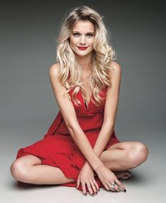 Weisz Fanni - The Rapunzel Heidi Klum, Rapunzel, Formal Dresses, Pretty, Model, Red, Beautiful, Fashion, Alteration Shop