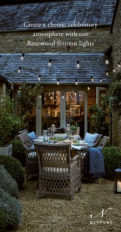 Outdoor Pergola, Outdoor Rooms, Outdoor Dining, Cottage Garden Design, Small Garden Design, Home And Garden, Small Courtyard Gardens, Small Courtyards, Fresco