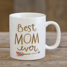 "Show your favorite teachers how loved they are with this sweet, ceramic mug with gold metallic printing. Mugs say ""Best Teacher Ever""! Best Friend Mug, Friend Mugs, Best Friend Gifts, Best Teacher Ever, Teacher Favorite Things, Diy Mugs, Diy Sharpie Mug, Teacher Appreciation Gifts, Teacher Gifts"