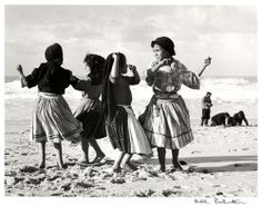 Bill Perlmutter, Dancing on the Sand, Portugal 1957