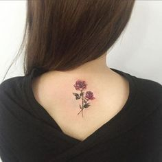 Tattoos for Woman Back (best photos!) ❖❖❖ ❖❖❖ Do you want to know more about female tattoos on the back? Then check out our article: The tattoo is a memory of its history in which it will be ch. Piercing Tattoo, 4 Tattoo, Tattoo Trend, Tattoo Maori, Tattoo Music, Tattoo Shop, Piercings, Tattoo Ideas, Feminine Tattoos