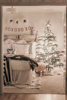 christmas bedroom White Christmas decor inspiration shines in this farmhouse bedroom with Christmas tree and rustic natural decor. Farmhouse Christmas Decor, Cozy Christmas, Rustic Christmas, Holiday Decor, Farmhouse Decor, Christmas Movies, Christmas Decorations For Bedroom, Tree Decorations, Winter Bedroom Decor