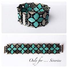 Double diamondback bracelet (beadwork juin). Délicat plaque or blanc et turquoise, rocailles noires, toupies cal