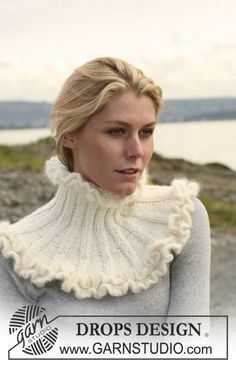 "Knitted DROPS neck warmer in 2 threads ""Alpaca"" with crochet flounce borders in ""Kid Silk"". ~ DROPS Design"