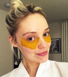 This Viral DIY Turmeric Mask Recipe Cured My Dark Under-Eye Circles for Real eye care This Viral DIY Turmeric Mask Cured My Dark Under-Eye Circles for Real Dark Circles Under Eyes, Dark Under Eye, Under Eye Mask, Eye Cream For Dark Circles, Under Eye Makeup, Turmeric Mask, Tumeric Face, Beauty Hacks For Teens, Skin Tag