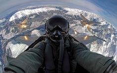 Swiss F/A 18 pilot takes a selfie [1440  900]
