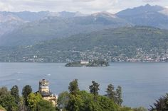 Modern and equipped apartment on Lake Maggiore Stresa, Verbano Cusio Ossola, Italy – Luxury Home For Sale