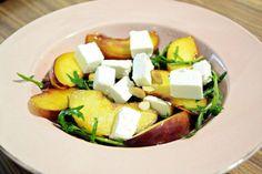 50 étel 5 perc alatt, ez nem vicc! Egy teljes menü legalább két hétre! - Ketkes.com Salads, Food And Drink, Health Fitness, Low Carb, Cheese, Fitness, Salad, Chopped Salads, Health And Fitness