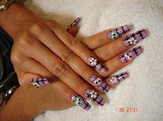 Image from http://s3photo.nailartgallery.nailsmag.com/nailartmaria_303950_l.jpg.