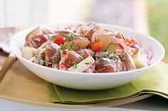 Toss a Healthy Living New Potato Salad together with bacon bits, new potatoes and more! This New Potato Salad is perfect for a potluck or summer cookout. Kraft Foods, Kraft Recipes, Salad Recipes Video, Summer Salad Recipes, Summer Salads, Potato Recipes, Chicken Recipes, Onion Recipes, Potato Salad Mustard