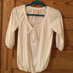 NWOT white elastic waist top White elastic waist top. Pullover 3/4 length sleeves, never worn or washed Mossimo Supply Co. Tops