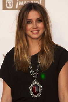 Ana de Armas Gemstone Statement Necklace - Ana de Armas wowed the crowd with her oversize gemstone statement necklace at Vogue's Fashion's Night Out in Madrid.