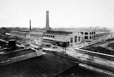 Construction of the original office and factory buildings of the Packard Plant in1903. The building was designed by Albert Kahn.