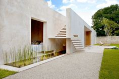 Architecture, White Gravel And Green Grass Garden Modern Backyard House Design With White Exterior Color Plus Ponds Under Stairs: The Elegant Hacienda Sac Chich by Reyes Ríos + Larraín Arquitectos Architecture Design, Minimalist Architecture, Contemporary Architecture, Concrete Architecture, Stairs Architecture, Beautiful Architecture, Contemporary Design, Design Exterior, Exterior Colors