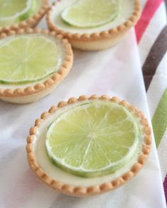 These Key Lime Tartlets are so fun -- love these for an engagement party, bridal shower, or wedding! Delicious Desserts, Dessert Recipes, Yummy Food, Awesome Desserts, Chef Recipes, Dessert Ideas, Baking Recipes, Mini Key Lime Pies, Mini Pies
