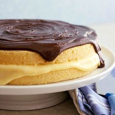 Boston cream pie was invented more than 200 years ago, but it's still one of the most popular American desserts. Our recipe stays true to the original, with two layers of yellow cake, rich vanilla custard, and a generous helping of chocolate glaze. Homemade Vanilla Pudding, Homemade Oatmeal, Cream Pie Recipes, Cake Recipes, Dessert Recipes, Profiteroles, Just Desserts, Delicious Desserts, Fudge