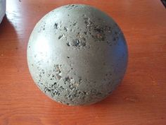 instructable: making concrete balls - these would be cool in a garden
