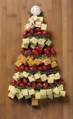 More than 12 Christmas Party Food Ideas #christmas #party #ideas
