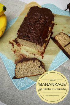 Banankage med chokoladeglasur - den bedste opskrift - og endda både glutenfri og sukkerfri. Opskrift her: Madbanditten.dk