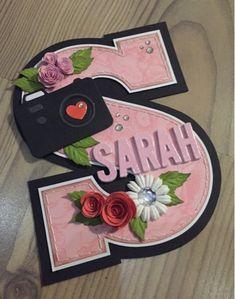 Kort, bordkort, sangskjuler og kage til Sarah's konfirmation, som blev holdt i Søndags. Vi var også med til at dekorere bilen hun skulle kør...