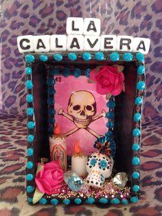 Unique mini La calavera lotaria dia de los muertos shrine. $20.00, via Etsy. Altered Tins, Altered Art, Cigar Box Crafts, Day Of The Dead Party, Box Art, Art Boxes, All Souls Day, Mexican Folk Art, Halloween Themes