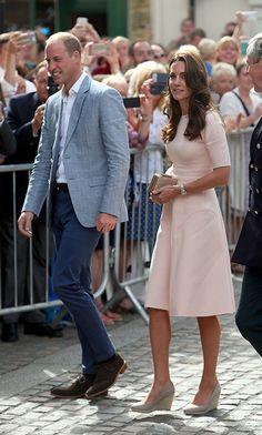 Kate wears pretty pink Lela Rose dress on Cornwall visit