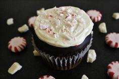 Cupcake Recipes : DIY Peppermint Bark Cupcakes