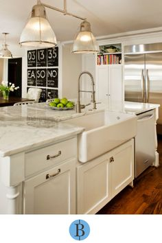 This kitchen remodel by Blackline Renovations includes a large famhouse sink and white shaker style cabinets. Farmhouse Kitchen Cabinets, Diy Kitchen, Kitchen Ideas, Kitchen Inspiration, Design Kitchen, Granite Kitchen, Quartz Countertops, Cuisine