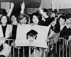Fans Welcome Beatles Arrival To America 8x10 Reprint Of Old Photo