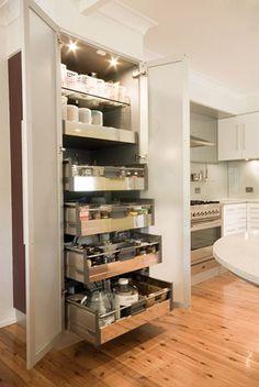 Creative Space Saving Kitchen Pantry Ideas – Home Decor Ideas Kitchen Drawers, Kitchen Pantry, New Kitchen, Kitchen Decor, Kitchen Cabinets, Corner Pantry, Small Pantry, Kitchen Layout, Pantry Storage