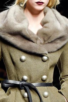 Ermanno Scervino Fall 15/16; belt and collar!!!