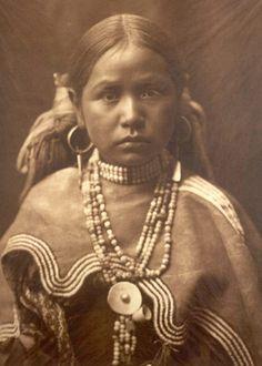 Een Fotograaf Onder De Indianen Van Amerika: Dit Zijn Krachtige Beelden Van Een Verloren Beschaving