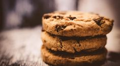 Can you imagine a world without coffee or chocolate chip cookies? From coffee to chocolate chip cookies to nachos, some of the world's best food and beverages… Low Carb Cookies, No Flour Cookies, Protein Cookies, Cookies Et Biscuits, Oat Cookies, Orange Cookies, Healthy Cookies, Walnut Cookies, Gourmet Cookies