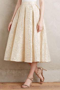 Find more modest fashion inspiration via @modestonpurpose, and on the blog at ModestOnPurpose.blogspot.com!!