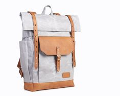 Light grey laptop backpack for women and men. Waxed canvas and Honey brown leather. Canvas Backpack, Laptop Backpack, Waxed Canvas, Canvas Leather, Grey Backpacks, Brown Leather Backpack, Honey Brown, Natural Leather, Unique Jewelry