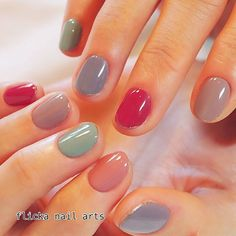 Opting for bright colours or intricate nail art isn't a must anymore. This year, nude nail designs are becoming a trend. Here are some nude nail designs. Colorful Nail Designs, Beautiful Nail Designs, Nail Art Designs, Minimalist Nails, Love Nails, How To Do Nails, Nails Polish, Pretty Nail Art, Manicure E Pedicure