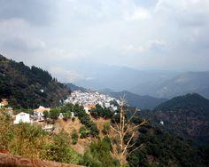 """#Málaga - #Algatocín 36º 33' 56"""" -5º 17' 0"""" Entre estas tierras, la Serranía es un mundo aparte más allá de la leyenda que ronda en cada pueblo, en cada valle y en cada sierra."""
