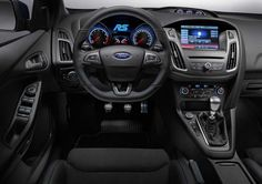 2017-ford-focus-interior-steering-wheel-dashboard-gear-shift-knob-and-lcd-screen